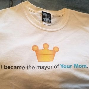 """Think Geek """"I became the mayor of Your Mom"""" Tee"""
